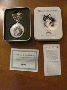 """Majestic Encounters"" Wolf Pocket Watch ( NEW )"