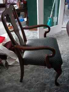 Dining Table + 6 Chairs London Ontario image 3