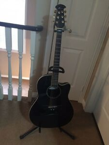 Ovation cc28 brand new with hard case and Roland cube20x amp
