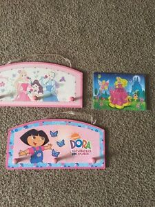 Brand new PRINCESS puzzle and wall hooks