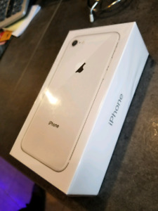 SEALED, NEW iphone 8 silver 64GB, UNLOCKED and with receipt