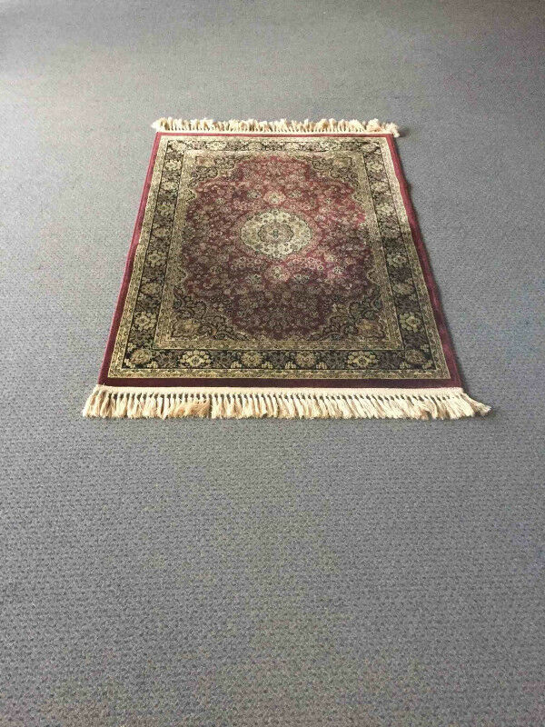 Description Vicose Area Rug