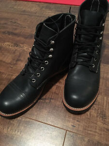 Red wings boots, brand new