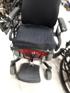 Quantum Q6 Edge HD Power Chair Almost brand new T.6477818987