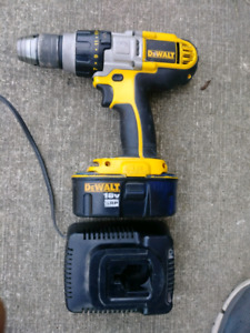 Used Dewalt 18v drill with one battery and charger