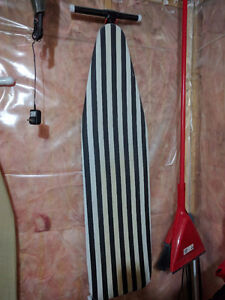 Ironing Board - Striped / Planche à repasser - Rayures