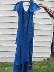 Beautiful Mother of the Bride/Groom long  dress for sale Belleville Belleville Area image 4