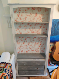 Shelves with 3 drawers