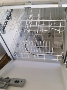 Whitewesthouse dish washer  (willing to deliver )