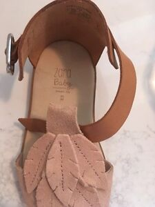 Leather and suede Zara baby sandals. Size 22 (about 5, 5.5) Kitchener / Waterloo Kitchener Area image 2