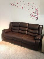RECLINER 3 seats COUCH WITH CONSOLE IN BROWN LEATHER FLOOR MODEL
