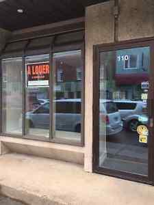 Local commercial à louer - Rue Grande-île - 1 MOIS GRATUIT