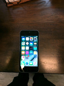 IPHONE 5S GOOD CONDITION WITH ACCESSORIES!