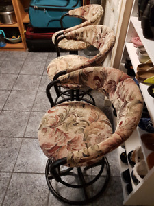 indoor chairs/stools