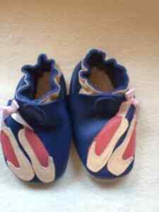 Leather baby slippers