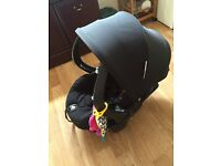 Stokke Izi sleep car seat in black