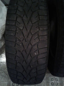 4 pneus a neige a vendre.....4 snow tires for sale 195/65/15