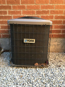 """Central Air conditioner for Sale - 350"""