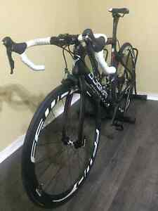 CARBON ROAD BIKE, SHIMANO ULTEGRA 11 SPEED, FULCRUM