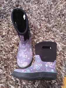 Girls winter rain boots, size 2 London Ontario image 1