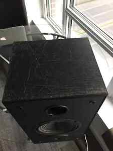 Yamaha RX-V395 w/ 2 JL Audio bookshelf speakers Downtown-West End Greater Vancouver Area image 4
