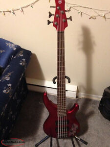 5 String Yamaha Bass