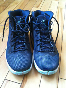 Size 6.5 Jordan Super Fly 4 shoes