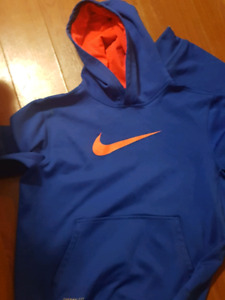 Boys Nike xl