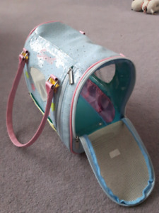 Small pet carrier for guinea pig, rats, birds, ect.