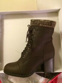 Ladies size 6 brown boots new