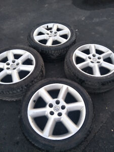 18 in   original NISSAN mags good condition