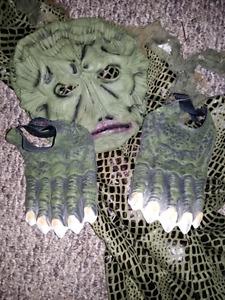 swamp thing costume  never worn