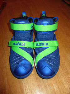 Youth 4.5 LeBron James Basketball Sneakers