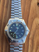 TAG HEUER 2000 SWISS AUTOMATIC GENTS WATCH, GRAPHITE DIAL.
