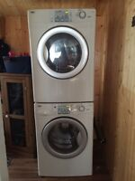 Inglis front load washer and dryer with stacking kit