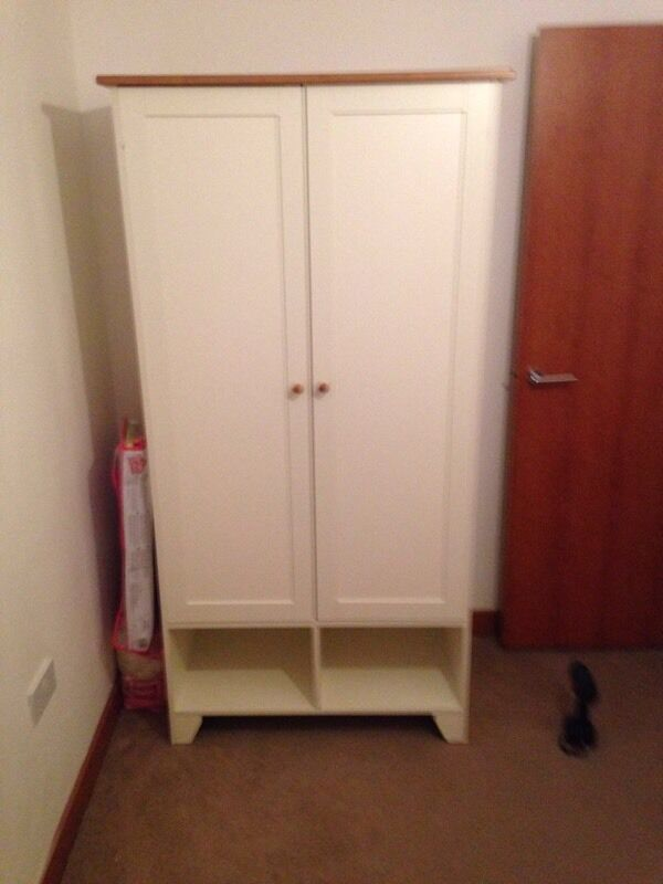 Baby bedroom set for300in Purfleet, EssexGumtree - Wardrobe, cot bed, and changing table all matching set in a cream neutral colour with wooden detailing. In very good condition can be used for both male and female