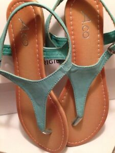 BRAND NEW SIZE 7 TEAL SANDALS Cornwall Ontario image 4