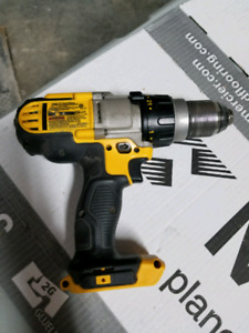 Perceuse Dewalt dcd985