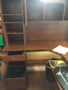 Chester: L-Shaped Office Desk with Hutch and keyboard/mouse tray