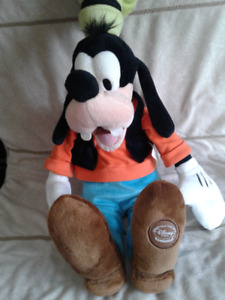 """Disney Store Exclusives - Donald Duck, Mickey Mouse & Goofy 17"""""""