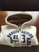 Children s place like new Boy s Hoodie size 5/6