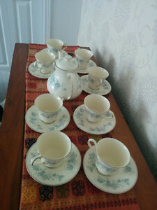 Royal Doulton Romance Collection (Michelle Pattern) Tea Service