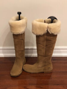 Ugg knee high boots size 5 1/2.