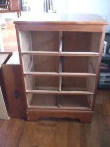 4 Drawer Chest of Drawers. FREE