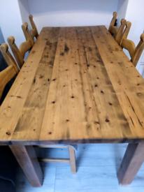 Farmhouse table & 6 chairs.