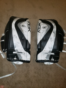 Novice Goalie Pads