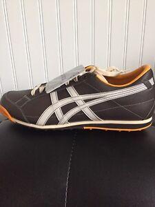 Golf shoes - asics size 11.5 London Ontario image 1
