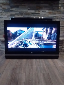 "TV LCD 42"" LG in perfect condition"