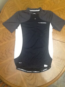DEADORA  CYCLING  ATTIRE