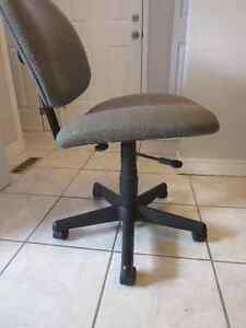 Made in Canada Computer/Office Chair Kitchener / Waterloo Kitchener Area image 3